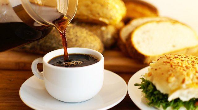 Ilustrasi minuman kopi hitam.