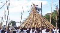 Tradisi makotek di Desa Munggu