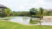 Kolam infiniti di Royal Lumbini Villas & Spa